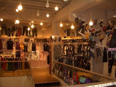 三度空間服飾店相關照片4
