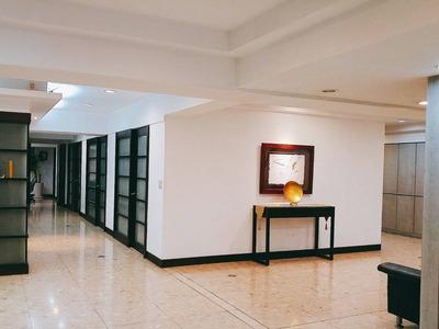 事務所內部