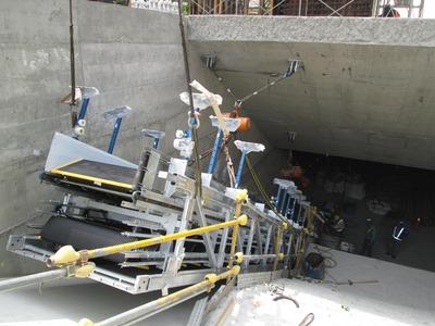 電扶梯吊運作業