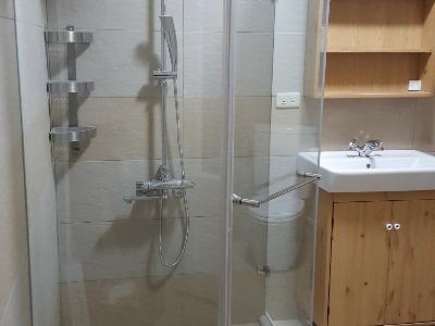 淋浴拉門及衛浴設備安裝