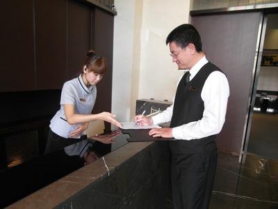 櫃檯生活服務