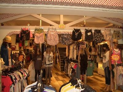 三度空間服飾店相關照片3