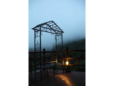 VATHI咖啡館平台景觀拱門