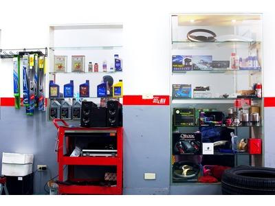 店內產品櫥窗