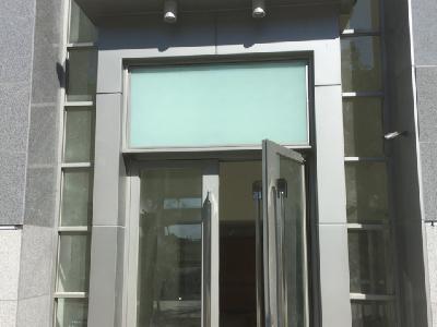 晴空樹-不鏽鋼門窗加鋁板