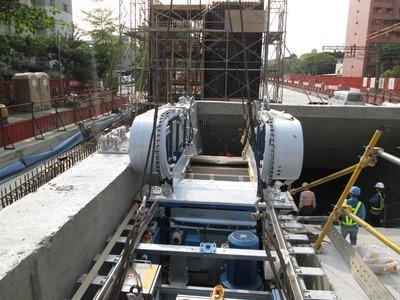 電扶梯吊運定位