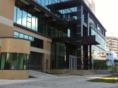 公司在聯邦銀行後棟,隔壁是裕隆汽車公司