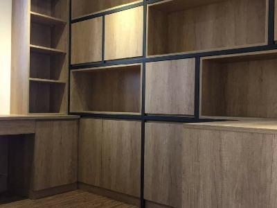 錏方管烤漆書櫃架