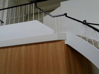 新屋像寶工廠樓梯扶手案