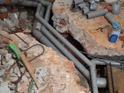 化糞池配管