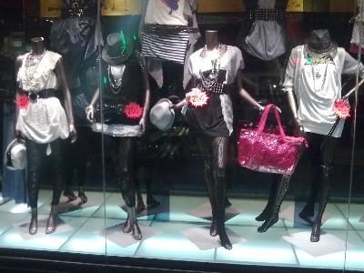 費塔朵時尚精品服飾相關照片1