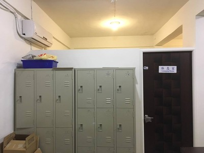 冷氣與置物櫃