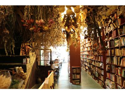 書店 咖啡(不言藝術企業社)相關照片2