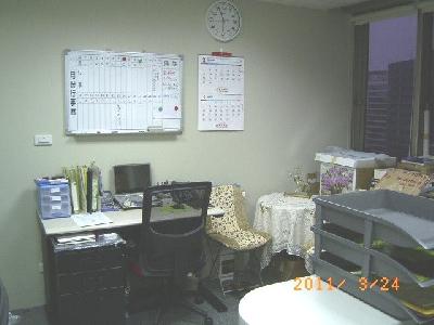 辦公室實景-行政秘書座位&角落休憩區