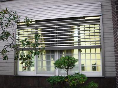 綠-電動百葉窗