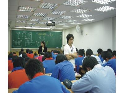 私立建宏文理補習班相關照片4
