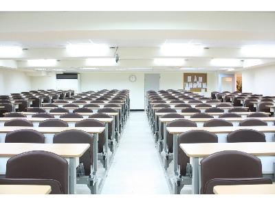 寬敞明亮教室