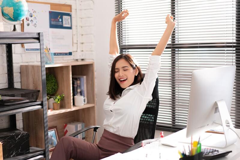 五一勞動節遇到休息例假日,雇主如何處理員工薪水及排假?