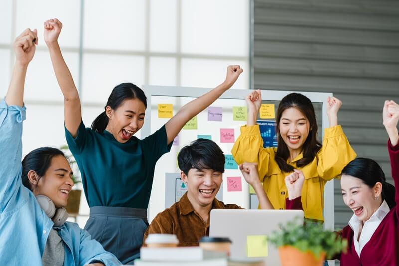 五一勞動節碰到假日,從2點看老闆是否少給你休假薪水?