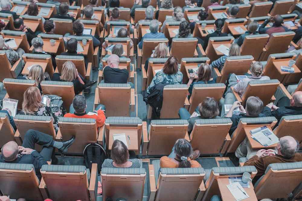走出畢業大門好迷網?看瑞典半新鮮人制度,重新梳理生涯規劃
