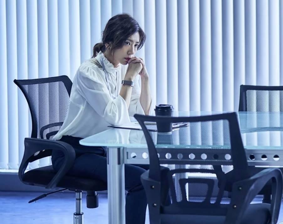 從我們與惡的距離,看見職場女強人更真實的另一面!