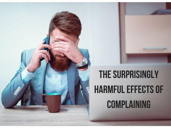 快逃離愛抱怨的同事!80%的人不知道,負能量的人是你吸引來的。