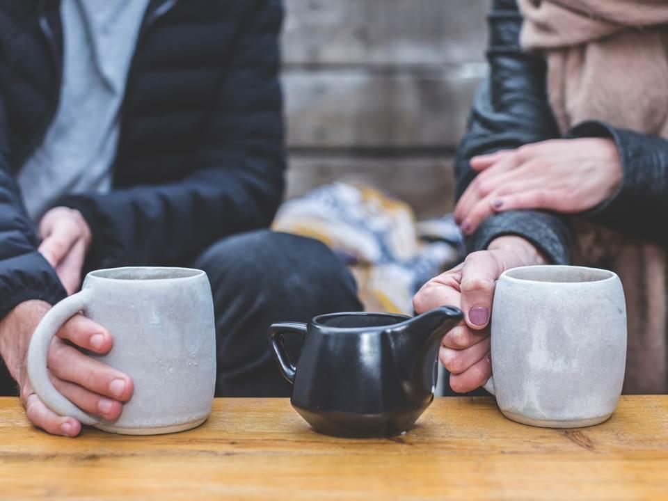 面試方準備的茶水該喝嗎?過來人淚揭求職禮儀真相