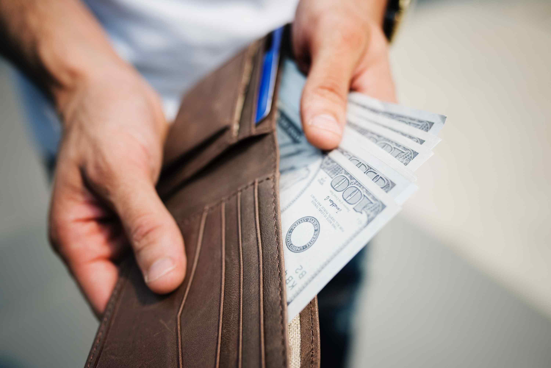 防疫期間員工請事假,薪水怎麼算?