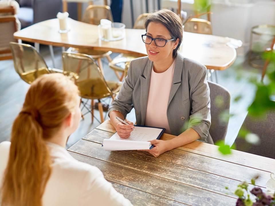新鮮人沒資格談薪水?快用3個談薪技巧幫你談出好薪情